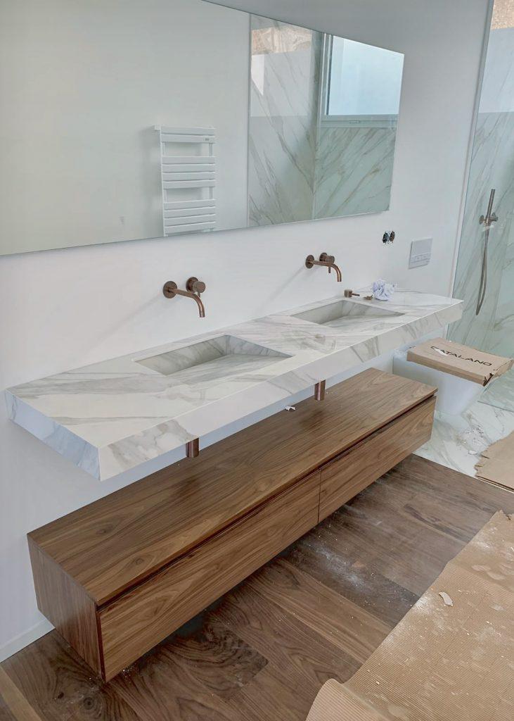 Lavabo porcelánico sin válvula con diseño minimalista